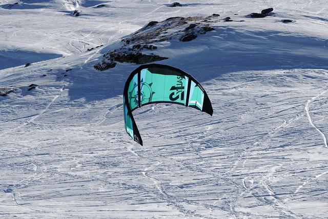 Snowkite