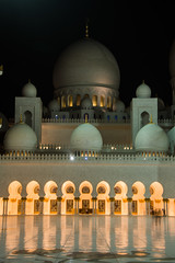 Sheik Zayed Grand Mosque - Abu Dhabi - 12 (coopertje) Tags: architecture evening gulf nightshot mosque emirates abudhabi unitedarabemirates grandmosque moskee sheikzayed sheikzayedgrandmosque