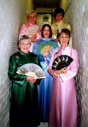 2000 Aladdin 03 (from left Rita Hampton, Ruth Kerrigan, Kerry Marie Thornton, Pauline Milner, Linda Ellis)