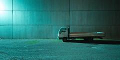 Ampio parcheggio (Lo Zatto) Tags: medicina sp253 sanvitale camion truck parcheggio parkinglot ghiaia gravel shed prefabricated capannone prefabbricato mercuryvaporlamp lampadaaivaporidimercurio