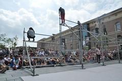 Compagnie Dyptik - D - Construction (c) Henry Krul (23) (Henry Krul) Tags: dance construction outdoor d henry op hip hop dans krul deventer straattheater streettheatre 2016 stelten dyptik