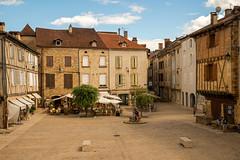 Saint Cr (dprezat) Tags: saintcr maisons colombage place lot 46 departementdulot quercy midipyrnes sudouest nikond800 nikon d800