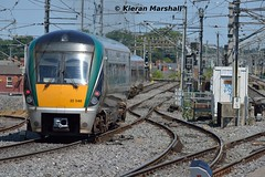 22046+22053 depart Connolly, 19/7/16 (hurricanemk1c) Tags: dublin irish train rail railway trains railways irishrail rok rotem 22046 2016 icr connolly iarnrd 22000 ireann iarnrdireann 3pce 1330pearsedrogheda