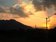 DSCF7562 (raissacrisss) Tags: sol entardecer anoitecer montanha rj realengo brasil brazil viagem viagens