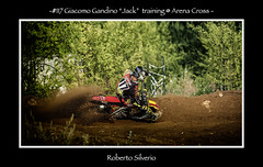 fb117SP270640 (Roberto Silverio) Tags: cross action dust olympuscamera zuikolens opensport robertosilveriophto sun suzuky love sporttherapy motocrossterapy arenacross