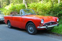 SUNBEAM Alpine 1725 rouge (xavnco2) Tags: fte andelle 2016 forgesleseaux seinemaritime normandie normandy france rassemblement automobile autos cars meeting raduno british car roadster cabriolet convertible sunbeam alpine 1725 rouge red rootes group
