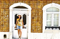 A tourist girl in Portugal (pedrosimoes7) Tags: cascais portugal smile architecture arquitectura girl girlsmiling smiling arquitecturaportuguesa tiles azulejos portrait