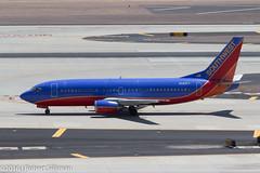Southwest Airlines Boeing 737 N340LV-2923 (rob-the-org) Tags: kphx phx skyharborinternational phoenixaz southwestairlines boeing 737 n340lv f11 160mm 1125sec iso100 cropped noflash
