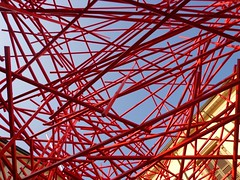 LINEE (cannuccia) Tags: rosso red linee geometrie milano astratto astrattismo challengegamewinner