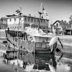 Le Jacques-Louise NKAEP LM+35 1003472 (mich53 - thank you for your comments and 3M views!) Tags: chalutier muse bateaux boat cherbourg france normandie normandy monochrome noirblanc black bw leicamtype240 summiluxm11435asph cotentin manche vacances 2016 histoire history trawler reflections reflets lumires port harbor