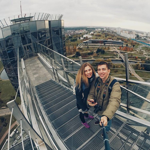На крыше здания Национальной Библиотеки. Вид отличный! #минск #крыша #селфи #гоупро #библиотека #беларусь #minsk #biblioteca #roof #selfie #gopro #building