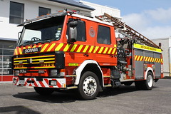 TH 8385 (ambodavenz) Tags: scania p93m lowes fire appliance pump auckland relief new zealand service