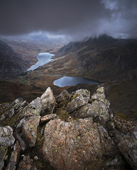 A gloomy evening on Y Garn (Nick Livesey Mountain Images) Tags: