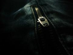 Backlit/Macro Mondays (erikatakcs) Tags: backlit mm macro new me samsungmobile samsung zip macromondays close dark