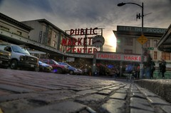 The Road to the Market (Andrew E. Larsen) Tags: seattle pikesplacemarket papalars andrewlarsenphotography