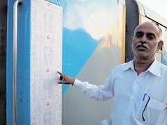 Reservation chart (DarkLantern) Tags: india station junction indien rajasthan inde jodhpur indianrailways  stationmaster  superfastexpress acclass ac2tier