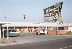 El Rancho Parker Motel (jericl cat) Tags: shirtless arizona pool station sign vintage wagon boat photo neon motel slide roadtrip tourist palm pole driveway americana diver trailer roadside parker