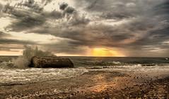 Dnemark - Veders Klit - Drama (Pana53) Tags: beach strand nikon meer wasser waves sonnenuntergang wolken steine myart dnemark danmark wellen danske steinstrand dramatisch nordseekste naturstrand nikond7000 strukrur pana53 vedersklit photographedbypana53
