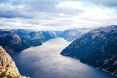 Pulpit Rock (bruit_silencieux) Tags: travel mountains norway trek canon landscape norge roadtrip 7d fjord scandinavia preikestolen pulpitrock norvège forsand sigma35mmf14art
