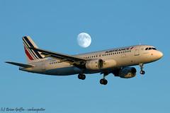 F-GKXO Air France Airbus A320-214 (carlowspotter) Tags: aircraft aviation aeroplane aerosexual avgeek plane spotter air france airbus a320 a320200 a320214 french england uk british heathrow airport jet lhr egll turbofan moon fullmoon evening sky
