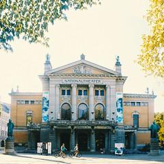 Ta meg med (Mat Kot) Tags: city travel oslo norway theater walk national norsk nationalteateret teateret musikalsksprak