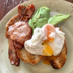 Bacon and eggs on toast with avocado for breakfast at La Lucciola in South Yarra (ultrakml) Tags: egg poached bacon toast bread avocado lalucciola southyarra melbourne victoria australia food breakfast
