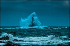 Phare du Four - Porspoder (jyleroy) Tags: ocean sea mer france canon landscape eos rebel brittany europe wave bretagne breizh vague finistère atlantique bigwave océan porspoder 700d ragingsea t5i