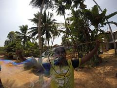 Seifenblasen in Behinderteneinrichtung in Ittapana, Sri Lanka 17