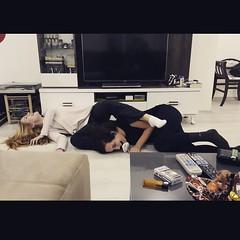 Melisayla yoga yaparken birbirimize girdik  #karnimagriyorgulmekten #gozumdenyasgeldi #yogayapmayacalisirken #funnygirls (Asena Onkahraman Akar) Tags: square squareformat unknown iphoneography instagramapp uploaded:by=instagram