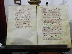 Libros religiosos Antiguos Museo Palacio Pedro I Astudillo Palencia 02 (Rafael Gomez - http://micamara.es) Tags: pedro antiguos museo libros palacio palencia religiosos astudillo i