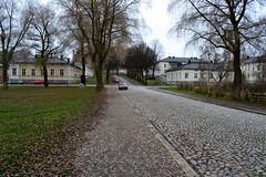 Kustaan III:n katu, Linnanpuisto, paved with cobblestones (Hämeenlinna, 20111112) (RainoL) Tags: street november autumn urban eh finland geotagged fin hämeenlinna 2011 häme tavastehus kantahäme linnanpuisto 201111 etelähäme 20111112 tavastland geo:lat=6100092600 geo:lon=2446173300