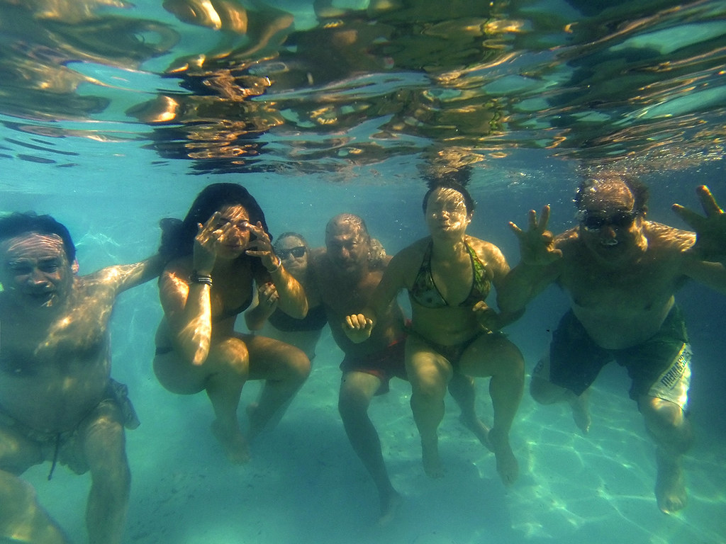 The world 39 s best photos of swimming and treading flickr for Agua piscina