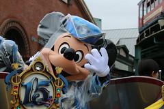 """The Year of Wishes"" Greeting Drive (sidonald) Tags: tokyo disney tokyodisneysea tds tokyodisneyresort tdr mickeymouse mickey   raincoat rainyday theyearofwishes greetingdrive 15thanniversary   15"