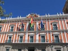 "La Paz: el Palacio Legislativo (le Congrès) <a style=""margin-left:10px; font-size:0.8em;"" href=""http://www.flickr.com/photos/127723101@N04/28495628752/"" target=""_blank"">@flickr</a>"
