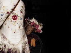 La Huertana. (diegoconejerofotografia) Tags: gente fotografia flower flowers aire libre portrait beautiful fondonegro huerta