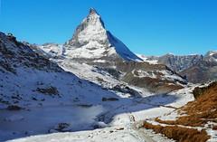 das Matterhorn (welenna) Tags: alpen autumn alps switzerland snow schnee schwitzerland see sky swiss stone eis riffelsee relief reflection berge blue mountains mountain matterhorn morgen wallis walking