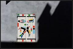 Sid (Gramgroum) Tags: street art graffiti peinture volet fentre sisteron murmurs sid oiseau