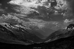 Tourmente et Effervescence sur la Valle (N/B) (Frdric Fossard) Tags: valle alpes hautesavoie alpage altitude lumire contraste glacier cimes valledechamonix massifdumontblanc france atmosphre letour argentire ombre dramatique