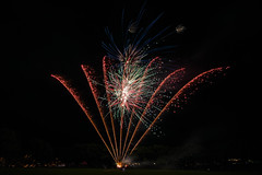 DSC_0635.jpg (aussiecattlekid) Tags: carnivalofflowers toowoomba allfiredupfireworks aerialshells mines fireworks pyrotechnics pyro bangboomcrackle fancakes multishot multishotcakes