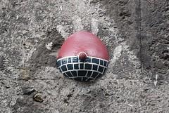 Intra Larue 802 (intra.larue) Tags: intra urbain urban art moulage sein pecho moulding breast teta seno brust formen tton street arte urbano pit italie italy italia napoli naples boob urbana