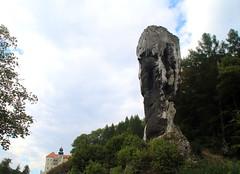 Pieskowa Skaa i Maczuga Herkulesa ... Poland (evko ...) Tags: castle chateau zamek piaskowaskaa maczugaherkulesa ojcowskiparknarodowy poland polska pologne polonia