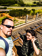 "2253'41.9""S 4708'13.5""W (Fabio_CPS) Tags: child sun outdoor treking daghter daughter filha amor sol train book eli"