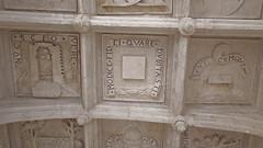 DSCF9058 Chteau de Dampierre-sur-Boutonne (Charente-Maritime) (Thomas The Baguette) Tags: chteau dampierresurboutonne charentemaritime france jardin garden sexyguy castle motto labyrinthe maze hedges arches vaults kittens zombies halloween mosaic moat forest park