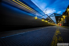 CreweRailStation2016.10.22-71 (Robert Mann MA Photography) Tags: crewerailstation crewestation crewe cheshire station trainstation trainstations train trains railway railways railwaystation railwaystations railstations railstation virgintrains virgintrainspendolino class390 class390pendolino pendolino northern northernrail class323 eastmidlandstrains class153 class350 desiro class350desiro arrivatrainswales class158 towns town towncentre crewetowncentre architecture nightscapes nightscape 2016 autumn saturday 22ndoctober2016 londonmidland
