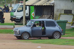 Mini de classe (Novembre 2014) (Ostrevents) Tags: ocean auto history beach car sand automobile indian north indianocean sable mimi collection sri lanka cooper histoire minicooper srilanka mayfair plage indien nord collector austinmini negombo ocan chn ocanindien minimayfair ostrevents