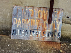 Allied Dept. Stores, Anniston, AL (Robby Virus) Tags: sign rust parking alabama rusty only stores department crusty employee anniston allied