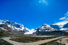Columbia Icefield (Jeroenolthof.nl) Tags: road lake snow canada mountains ice landscape drive jeroen scenery jasper scenic columbia alberta parkway bow banff icefields icefield olthof jeroenolthofnl