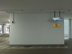 aufregend (mkorsakov) Tags: city white sign wall empty leer wand bahnhof schild hbf weiss less mnster innenstadt parkhaus hinweis einbahnstrasse deorte
