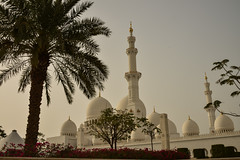 Sheik Zayed Grand Mosque - Abu Dhabi - 1 (coopertje) Tags: architecture gulf mosque emirates abudhabi unitedarabemirates grandmosque moskee sheikzayed sheikzayedgrandmosque