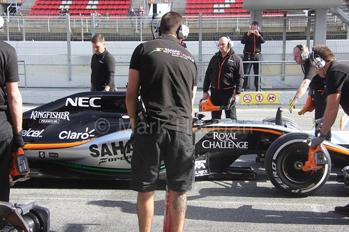 Nico Hulkenberg during a pit stop at Formula One Winter Testing 2015